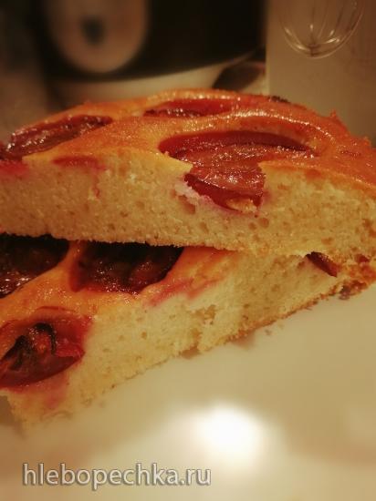 Бисквитный пирог с персиками (+видео)