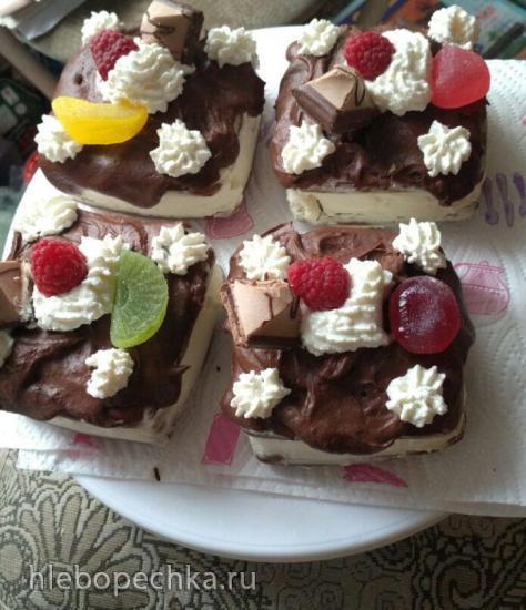 Мини-тортики из шоколадных вафель в мультипекаре Redmond (Ramb-12/Голландские вафли)