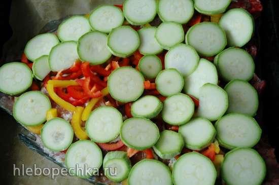 Карп, запечённый с овощами