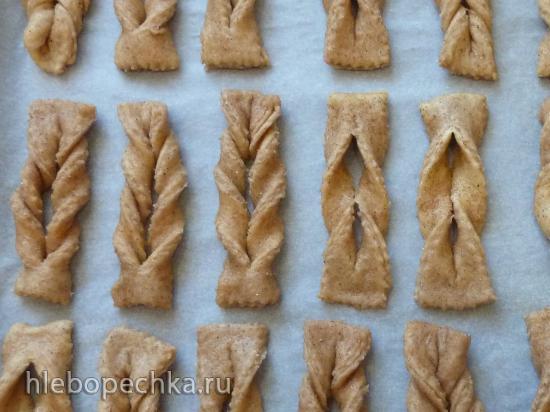 Печенье из дрожжевого теста с корицей