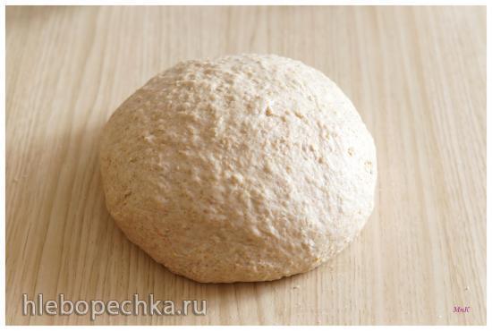 Овсяный хлеб с корицей и изюмом по рецепту из книги Хлеб. Технология и рецептуры Дж. Хамельмана