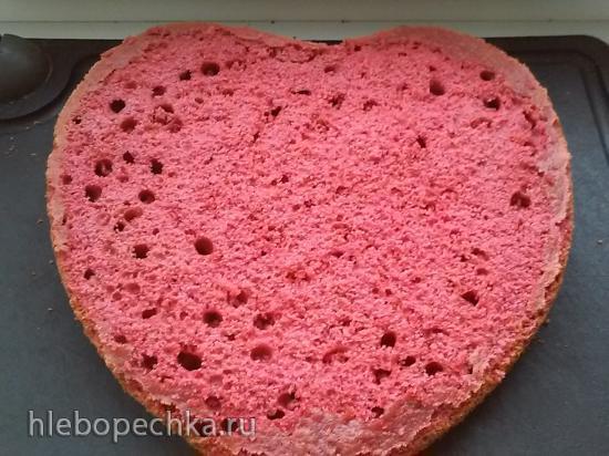Торт «Красный бархат с клубникой»