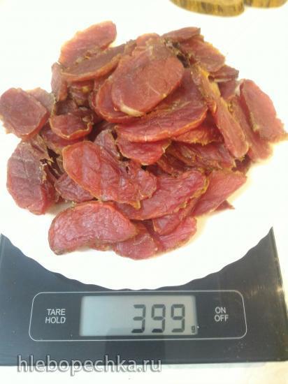 Простые мясные чипсы из свиной вырезки в электросушилке