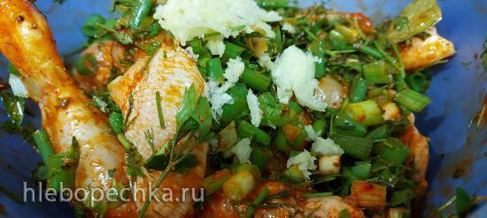 Курица с зеленью, со вкусом черемши в фольге (+видео)