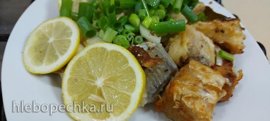 Хек жареный с зеленым луком, вином и  лимонами (+видео)