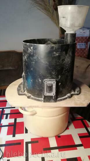 Бытовая мельница-зернодробилка