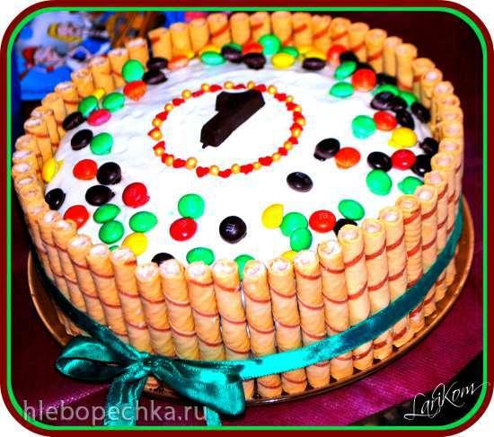 Торт с конфетами M&M's и шоколадом Kit Kat (мастер-класс по оформлению)