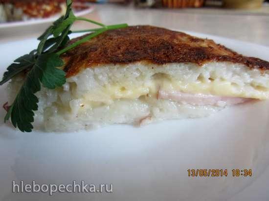 Картофельная запеканка с сыром и ветчиной на сковороде