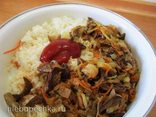 Капуста тушенная с рисом и грибами