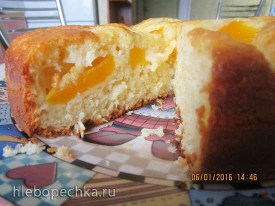 Кокосовый пирог с персиками