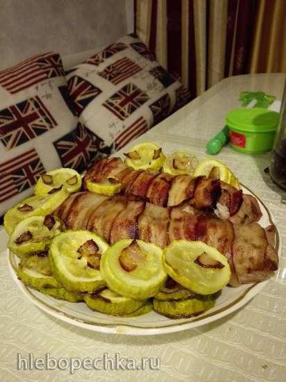 Свинка в свинке (Рулет из свиной вырезки в беконе)