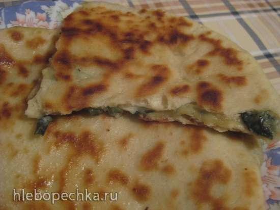 Лепешки из бездрожжевого теста с сыром и свекольной ботвой