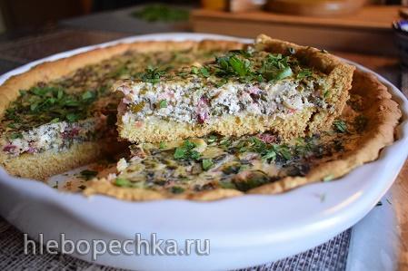Пирог из слоеного теста со свекольной ботвой, творогом и отварным картофелем