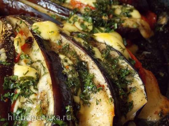 Баклажаны, запечёные в духовке с сыром и помидорами другим манером