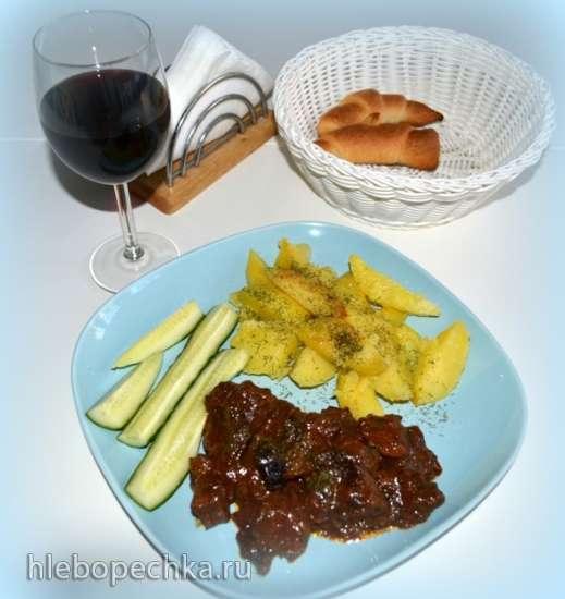 Мясо по-гречески с мятой и черносливом