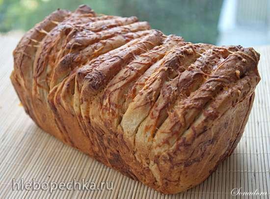 Пшенично-ржаная «Гармошка» на пиве с сыром и горчицей
