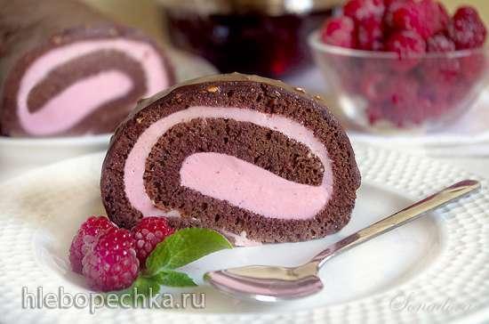 Шоколадный рулет с малиновым кремом-суфле