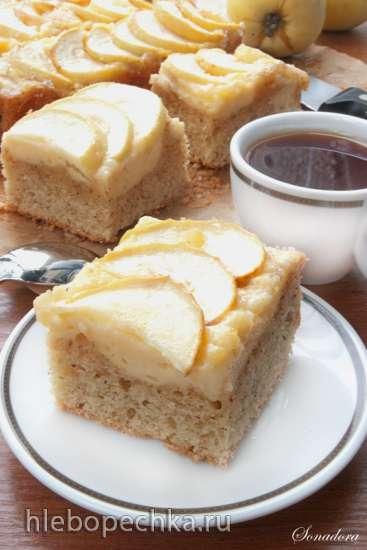 Ореховые пирожные с яблоками и заварным кремом