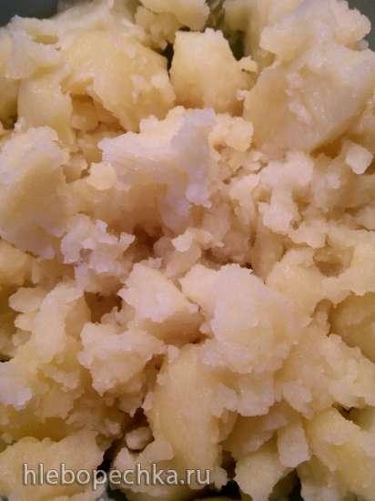 Картофельный салат с хрустящим дипом по рецепту Джейми Оливера