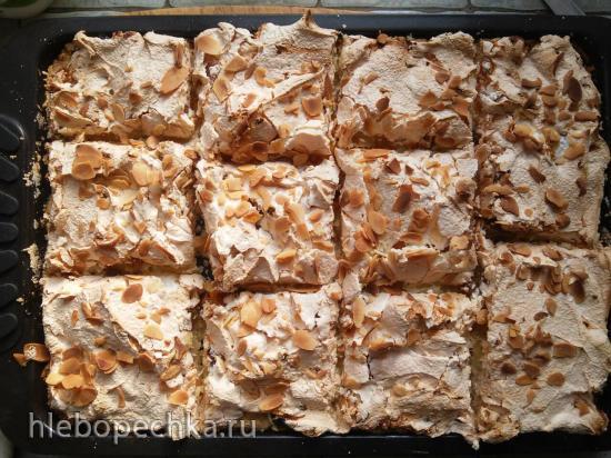 Лимонное пирожное Софи Лорен с грецкими орехами, изюмом и безе