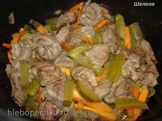 Говядина с солёными огурцами и морковью (скороварка Polaris 0305)
