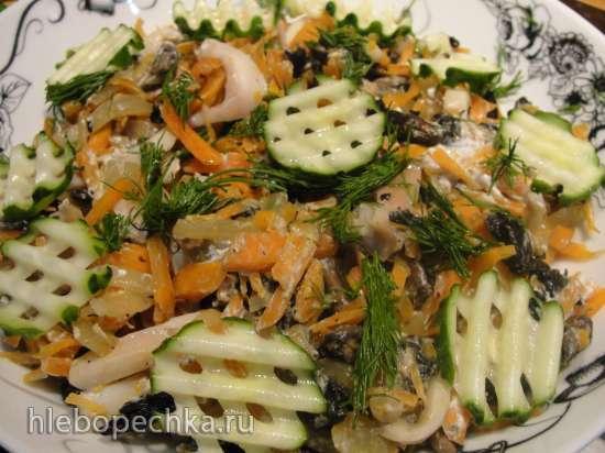 Салат с кальмарами «Солнечный»
