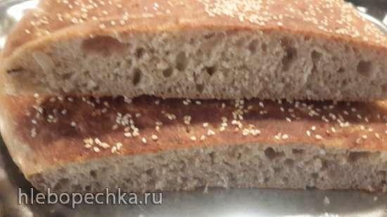 Пшенично-ржаная лепешка с сыром, укропом и луком