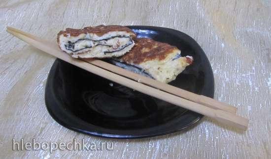 Омлет в азиатском стиле с нори и кунжутом