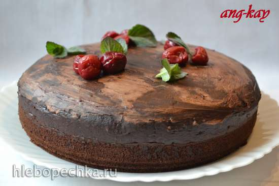 Пирог шоколадный с вишневым муссом (постный)