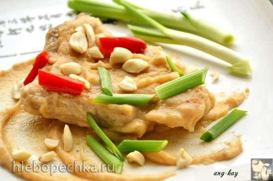 Свинина по-тайски с арахисовым соусом