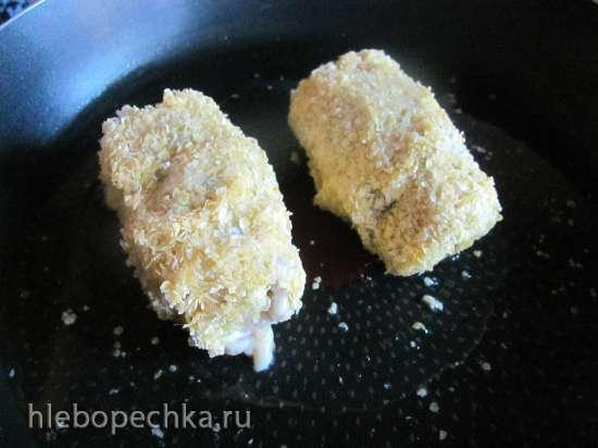 Крученики рыбные с луком в кукурузной панировке