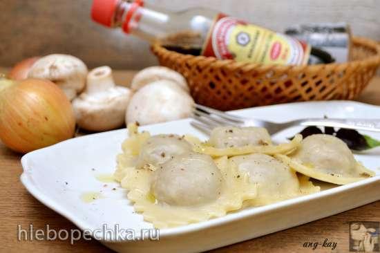 Равиоли вегетарианские с луком и орехами