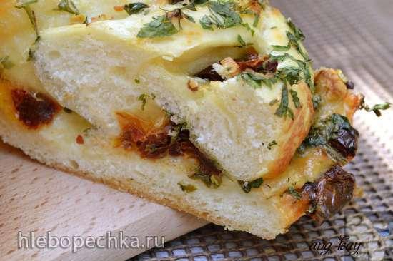 Белый хлеб с помидорами и сыром (кухонный процессор Bomann KM 398 CB)