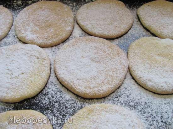 Бисквитное пирожное с заварным кремом