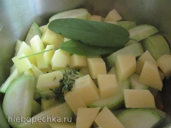 Постный кабачковый крем-суп с тимьяном и шалфеем