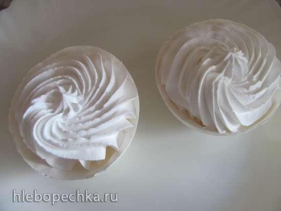 Безе с вишней Снежный шар  (кухонный процессор Bomann KM 398 CB)