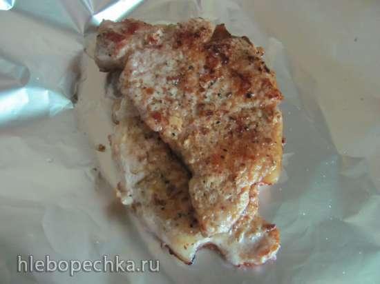 Свиная отбивная с луковым соусом