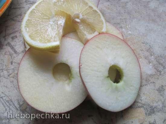 Филе хека на яблочной подушке