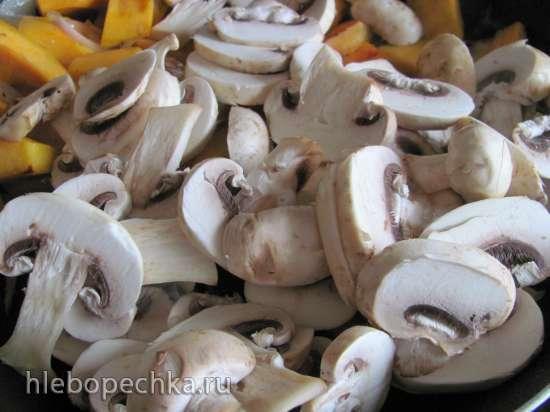 Курица с грибами и тыквой в духовке