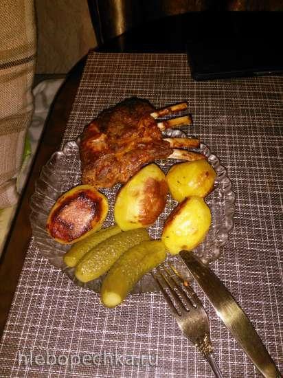 Говяжьи рёбрышки, запечённые с картофелем и кабачком. И сказ о бараньей ножке...