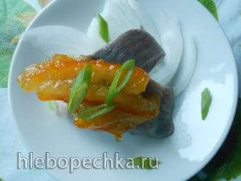 Сельдь маринованная с апельсиновым джемом