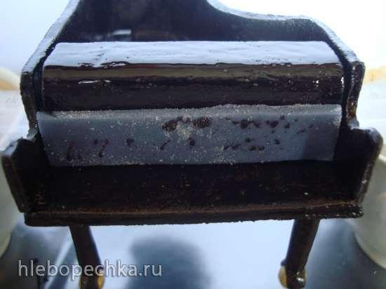 Рояль из мастики