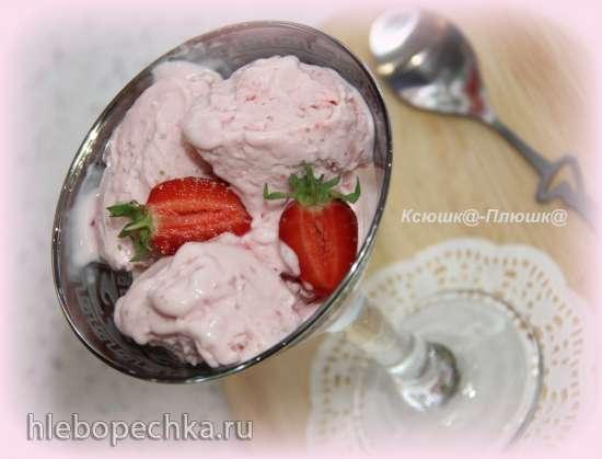 Мороженое клубничное со сгущенкой