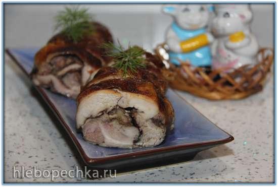Рулет куриный с черносливом и грецким орехом