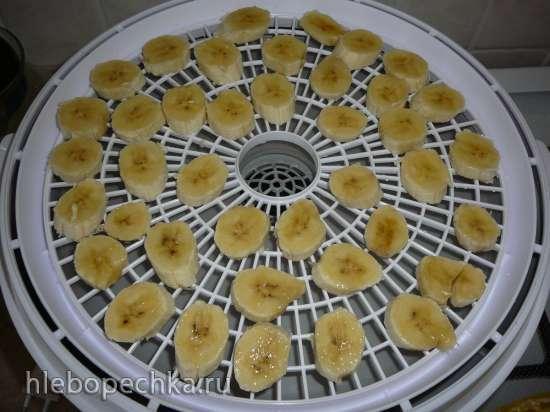 Банановые чипсы в сахарном сиропе в электросушилке Travola 333