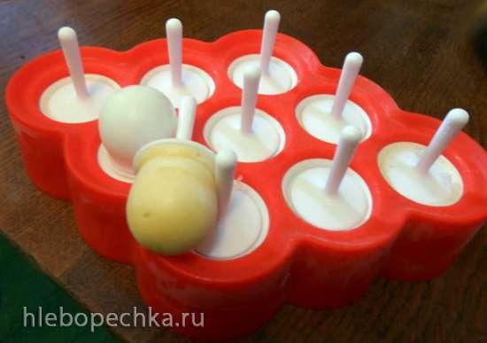 Мороженое молочное с рикоттой, арбузным вареньем и соевым соусом