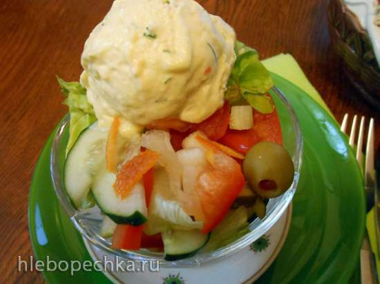 Теплый салат с мороженым