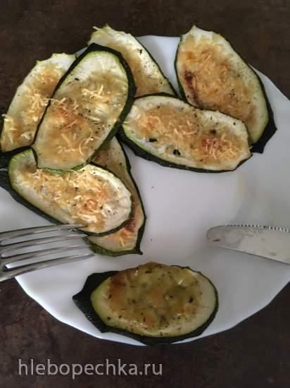 Кабачок, запеченный в духовке с сыром или соусом а-ля песто