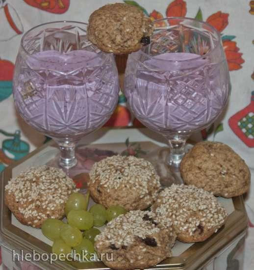 Десерт творожный с клубникой