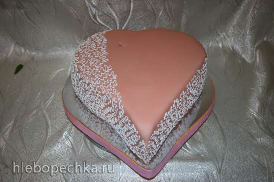 Торт Черный принц с клубничным курдом